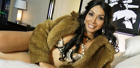 Las vegas moment Glamorous TS Vaniity delight herself in a hotel room.
