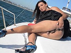 Naked on the yacht. Super hot Vaniity spreads on a yacht